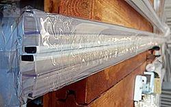 תמונה של מגב מגנט למקלחון חזית